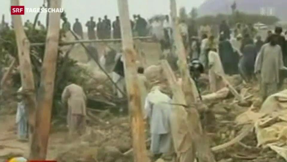 Über 300 Tote nach Erdbeben in Pakistan
