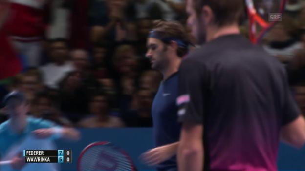 Video «Tennis: ATP Finals in London, Halbfinal Federer - Wawrinka, das schnelle Ende des 1. Satzes» abspielen