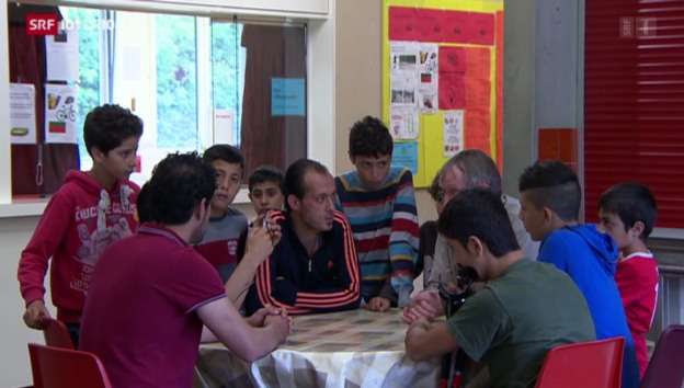 Video «Asylzentren sind überfüllt» abspielen