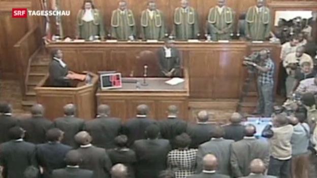 Video «Kenias Gericht bestätigt Wahl von Kenyatta» abspielen