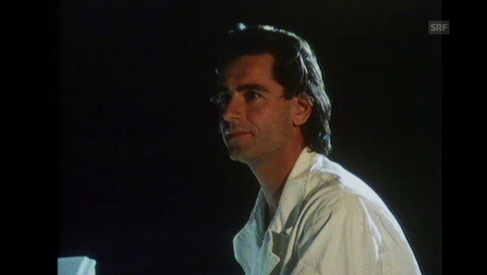 Videoclip The Captain Of Her Heart» (1985)