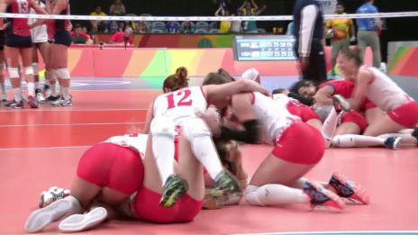 Video «Serbiens Volleyballerinnen eliminieren die USA» abspielen
