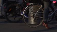 Link öffnet eine Lightbox. Video E-Bikes immer beliebter abspielen