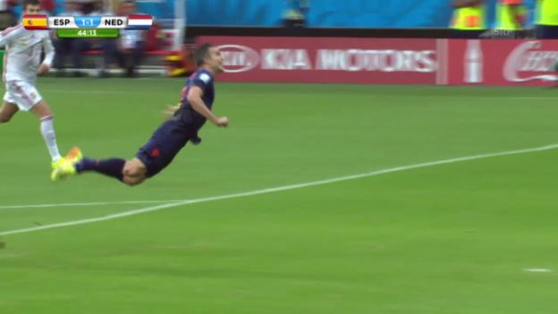 Video «Robin van Persies 1:1 gegen Spanien» abspielen