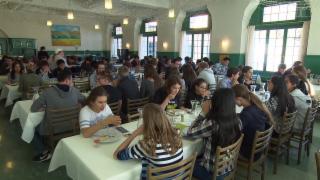 Video «Internate, Tagesschulen, Konzerne: Kampf um Schüler wird global» abspielen