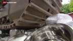 Video «Genfer Zoll zerstört Pfannen und Messer» abspielen