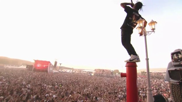 Video «Travis Scott: Irrsinnige Live-Momente» abspielen