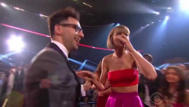 Video ««And the Grammy goes to... Taylor Swift»» abspielen