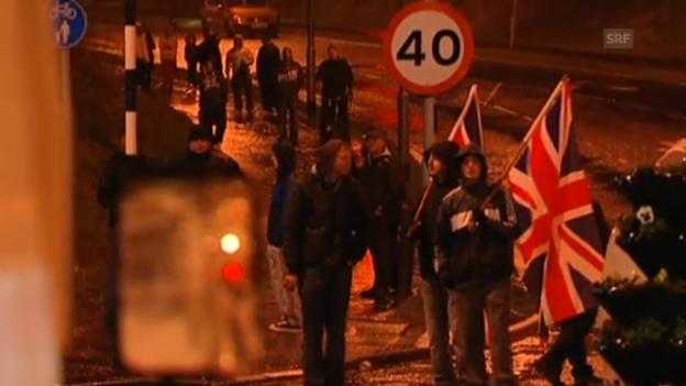Video «Erneute Strassenschlachten in Belfast» abspielen