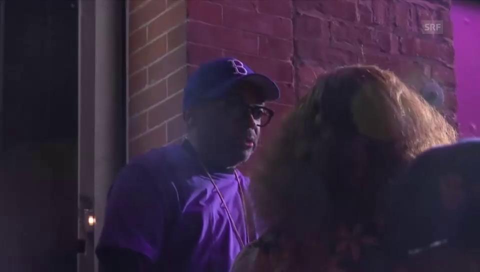 Spike Lee am Prince-Gedenk-Flashmob (unkomm.)