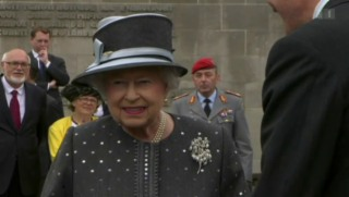 Video «Regentin: 10 Geheimnisse rund um Queen Elizabeth» abspielen