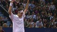 Link öffnet eine Lightbox. Video Federer feiert Jubiläum an den Swiss Indoors abspielen