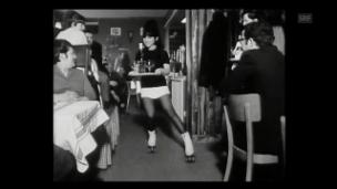 Video «Bedienung auf Rollschuhen (1969)» abspielen