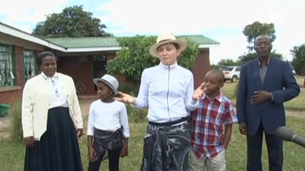 Video «Madonna in Malawi» abspielen