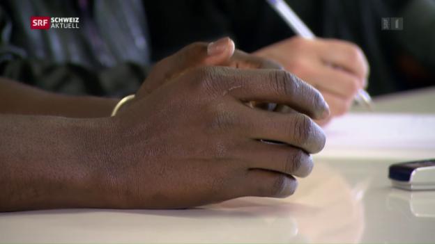 Video «Schärfere Gangart gegen Flüchtlingshelfer» abspielen