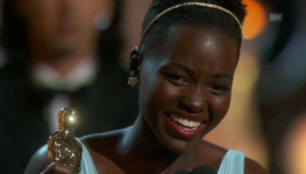 Video «Die Dankesrede von Lupita Nyong'o» abspielen