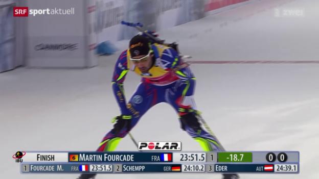 Video «Martin Fourcade im Sprint in Canmore nicht zu stoppen» abspielen