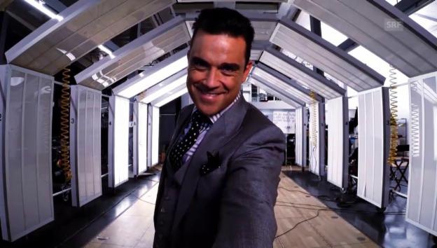 Video «Robbie Williams spricht neu deutsch» abspielen