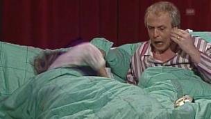 Video «Adam und Eva Chifler – Panik im Schlafzimmer» abspielen