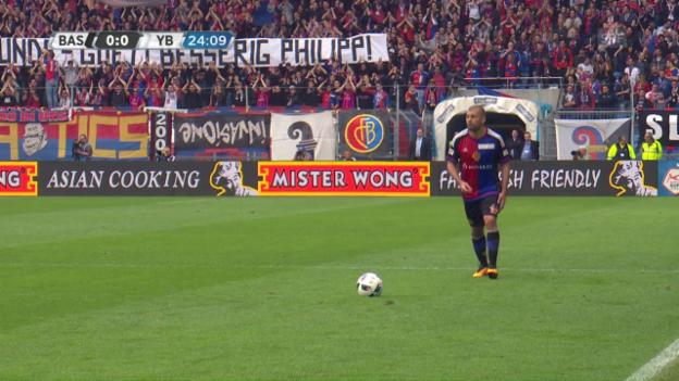 Video «FCB-Fans ehren Philipp Degen» abspielen