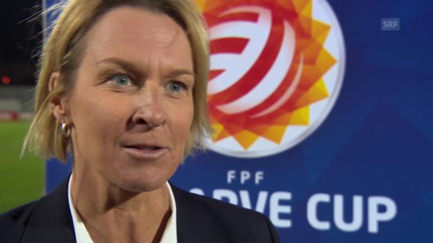 Video «Fussball: Algarve-Cup, Schweiz-USA, Interview Martina Voss-Tecklenburg» abspielen