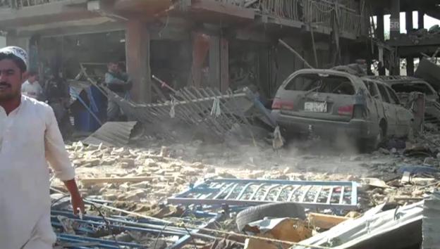 Video «Schwere Lastwagenbombe in Kabul (unkommentiert)» abspielen