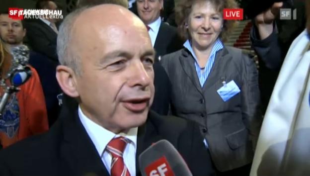 Video «Interview mit Bundesrat Ueli Maurer kurz nach seiner Wahl zum Bundespräsidenten.» abspielen
