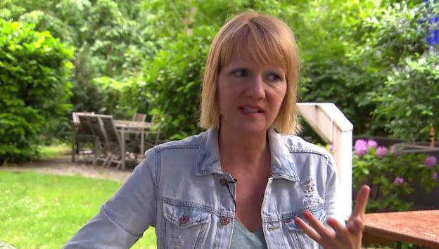 Video «Heike Hagen: Die Stimme aus dem Handy» abspielen