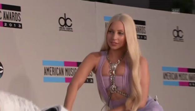 Video ««American Music Awards»: Stars auf dem roten Teppich» abspielen