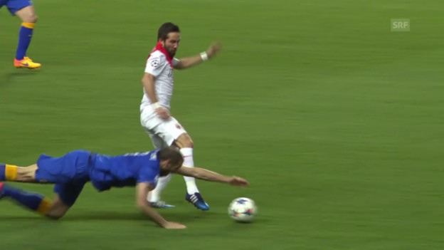 Video «Fussball: CL-Viertelfinal, Rückspiel Monaco - Juventus, Aktion von Chiellini» abspielen