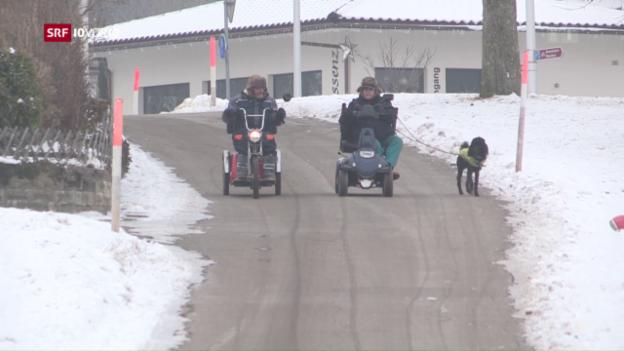 Video «Vorschriftendschungel für Senioren-Fahrzeuge» abspielen