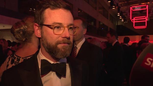 Video «Nik Hartmann versucht sich als Walliser» abspielen
