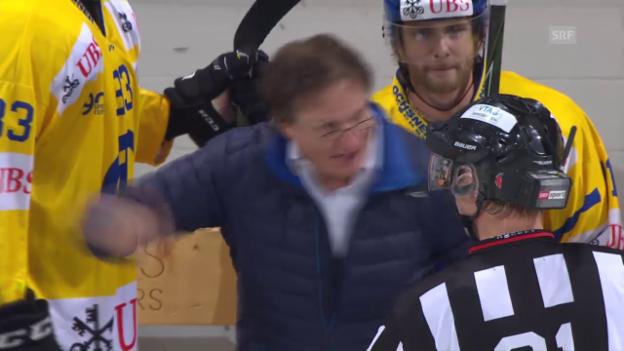 Video «Del Curto rastet nach Sciaroni-Verletzung aus» abspielen