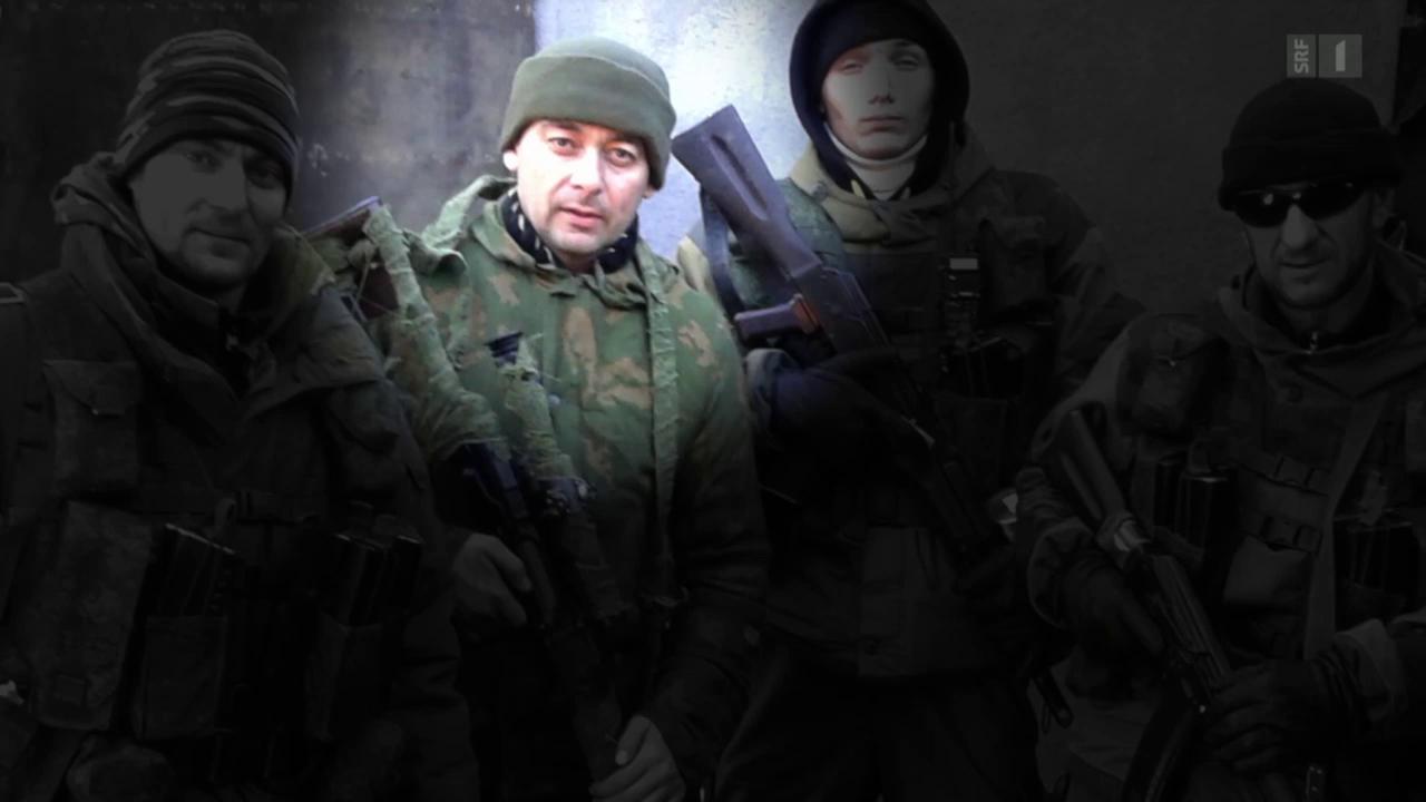 Russische Freiwillige packen aus