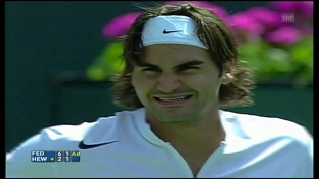 Video «Der Wahnsinns-Punkt zwischen Federer und Hewitt» abspielen