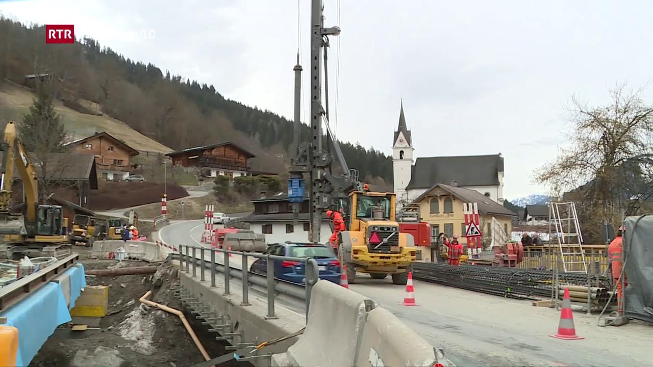 Plazzal da lavur a Schluein – las colonnas è programmadas