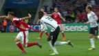 Video «#Trikotgate: Warum die Schweizer Fussballer in Fetzen spielten» abspielen