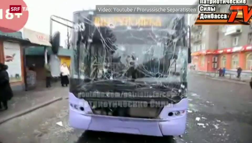 Neun Menschen sterben durch einen Granatenangriff auf Bus
