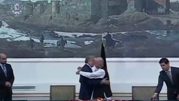 Video «Ghani und Abdullah einigen sich auf Einheitsregierung» abspielen