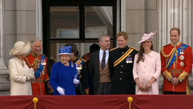 Video «Britische Royals bei «Trooping the Color» (unkom. Video)» abspielen
