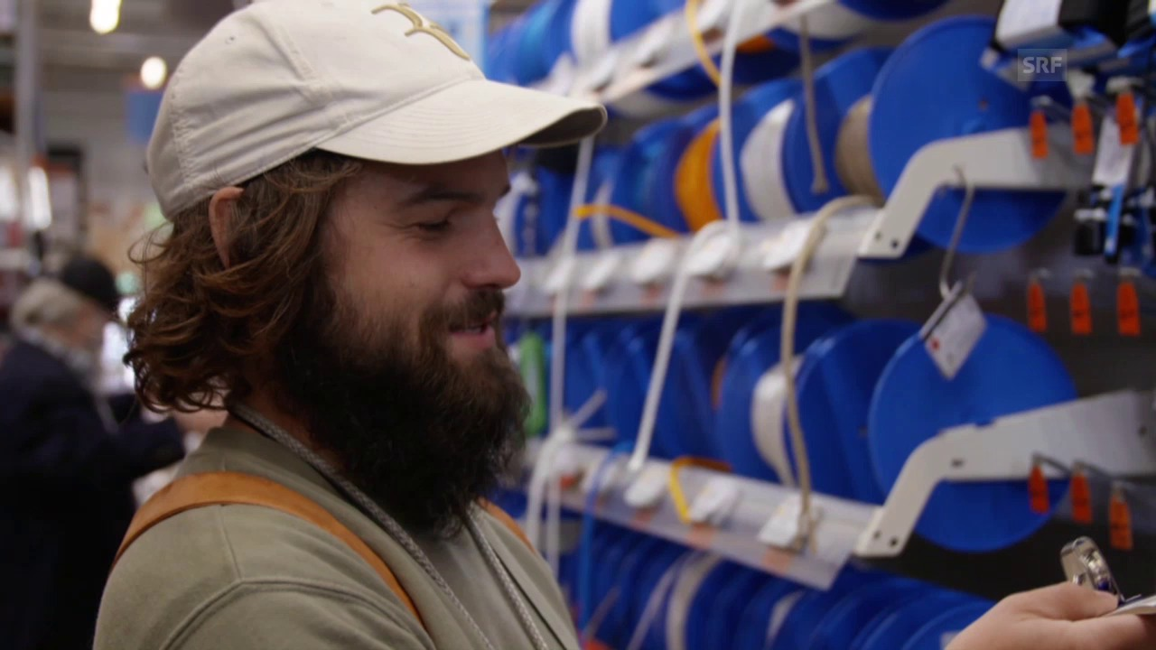 Johannes Willi kauft ein im Baumarkt