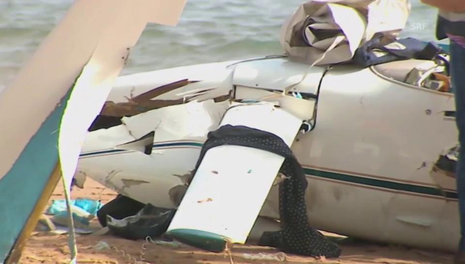 Flugzeugcrash am Strand
