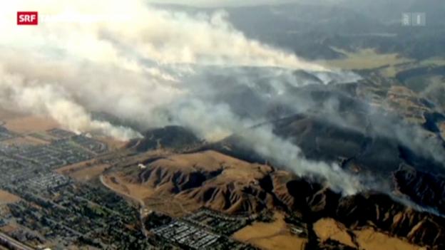 Video «Kalifornien kämpft gegen Buschfeuer» abspielen