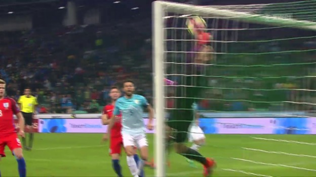 Video «England nur mit Nullnummer in Slowenien» abspielen