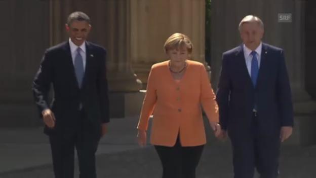 Video «Kanzlerin Merkel begrüsst Obama am Brandenburger Tor» abspielen