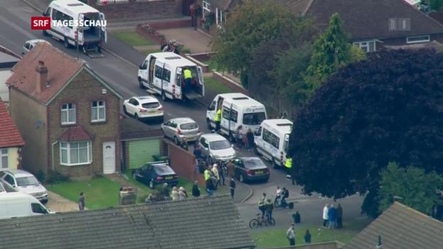 Video «Londoner Polizei verhaftet Verdächtigen» abspielen