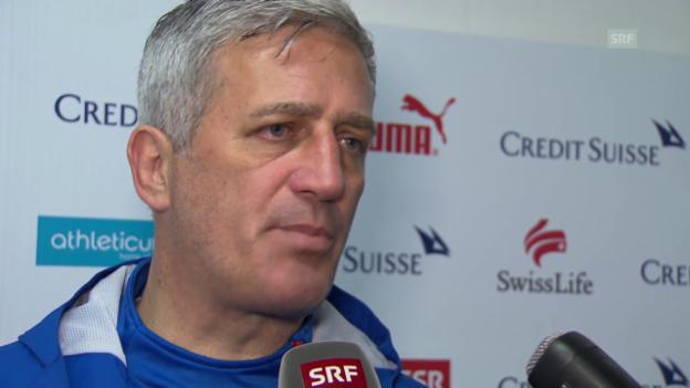 Video «Fussball: Nationaltrainer Petkovic zum «Fall Schwegler»» abspielen