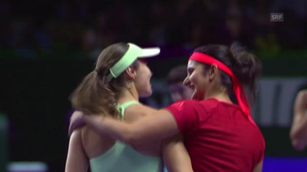 Video «Tennis: WTA-Finals 2015 in Singapur, Doppel, Final, Hingis/Mirza - Muguruza/Suarez-Navarro» abspielen