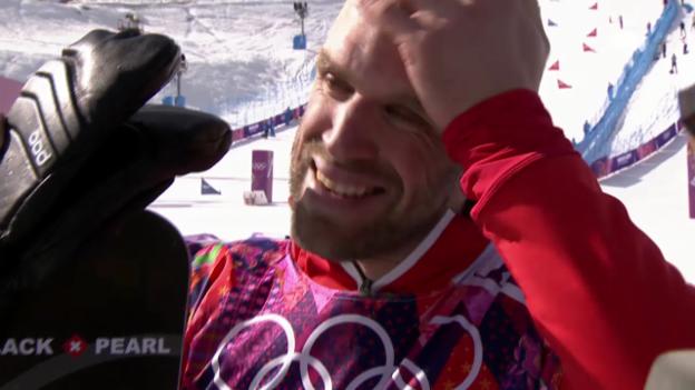 Video «Snowboard: Parallel-Slalom Männer, Interview mit Simon Schoch (sotschi direkt, 22.2.2014)» abspielen