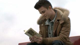 Video «Luca Hänni wird Musical-Darsteller» abspielen
